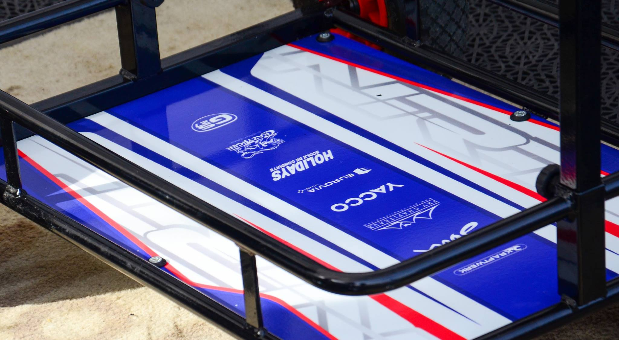 Impression de stickers transparent sur karting