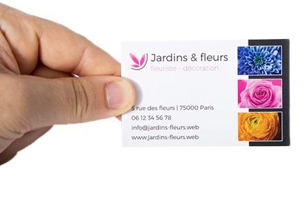 Distribuez votre carte de visite sans oublier de vous présenter
