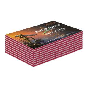 Carte épaisse à bord coloré rouge