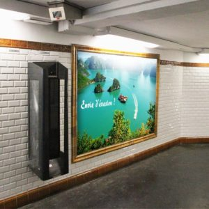 Créer une affiche publicitaire pour métro