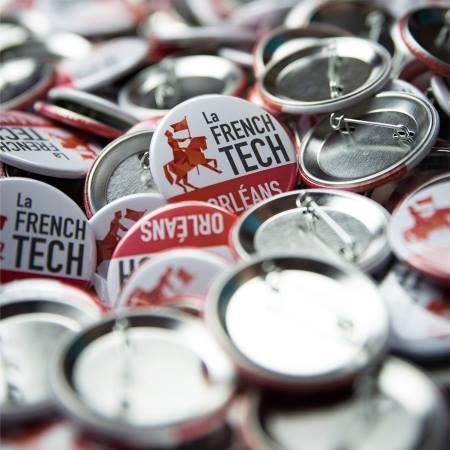 Goodies personnalisés : badges publicitaires design