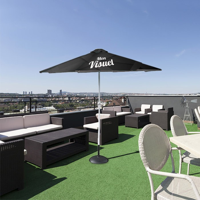 Parasol publicitaire personnalisé pour terrasse au printemps et en été