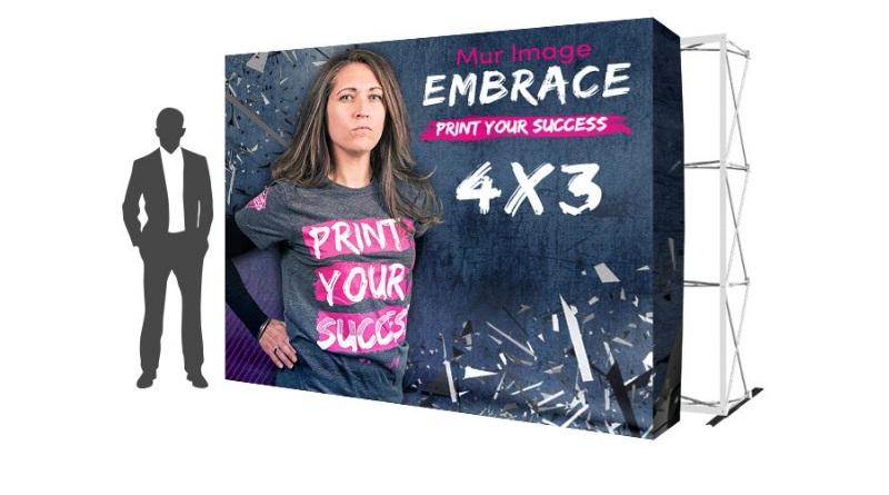 UNEmur image stand embrace impression textile personnalisé