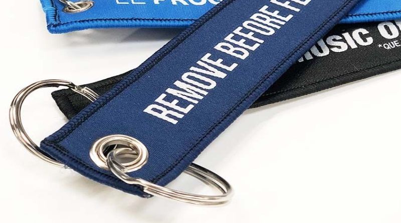 porte-clés remove before flight personnalisé goodies